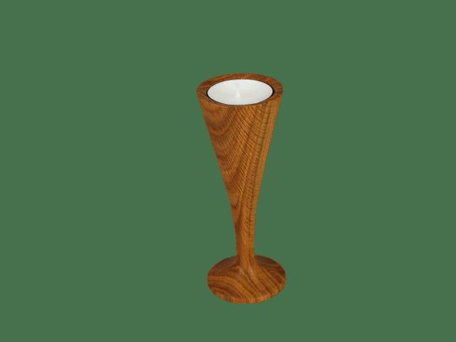 dřevěný svícen na stopce
